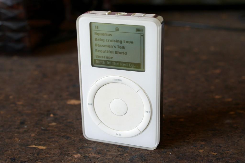 14年前の第2世代iPodは、新型MacBook Pro(Late2016)で使えるのか?