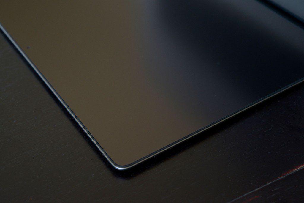 【MacBook Pro Late2016】コーティング剥がれに備えて、液晶保護フィルムを貼る