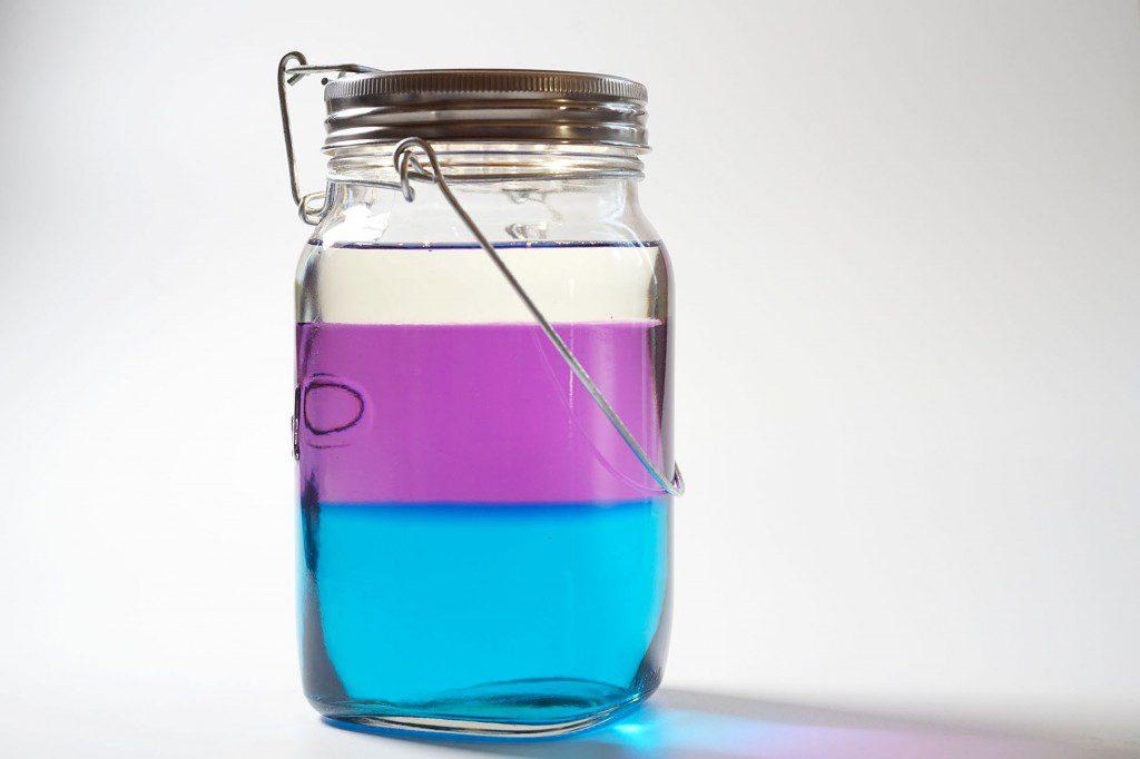 多層の液体で作るガラス照明