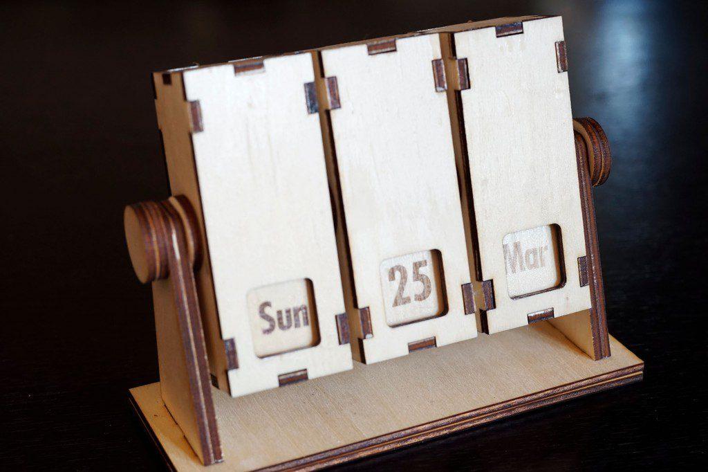 回転式卓上カレンダー 改良版の完成
