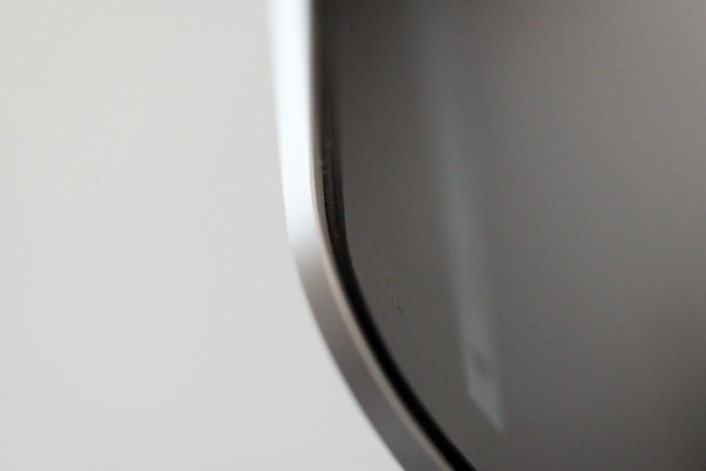 MacBook Pro ベゼルのゴムを保護しましょう