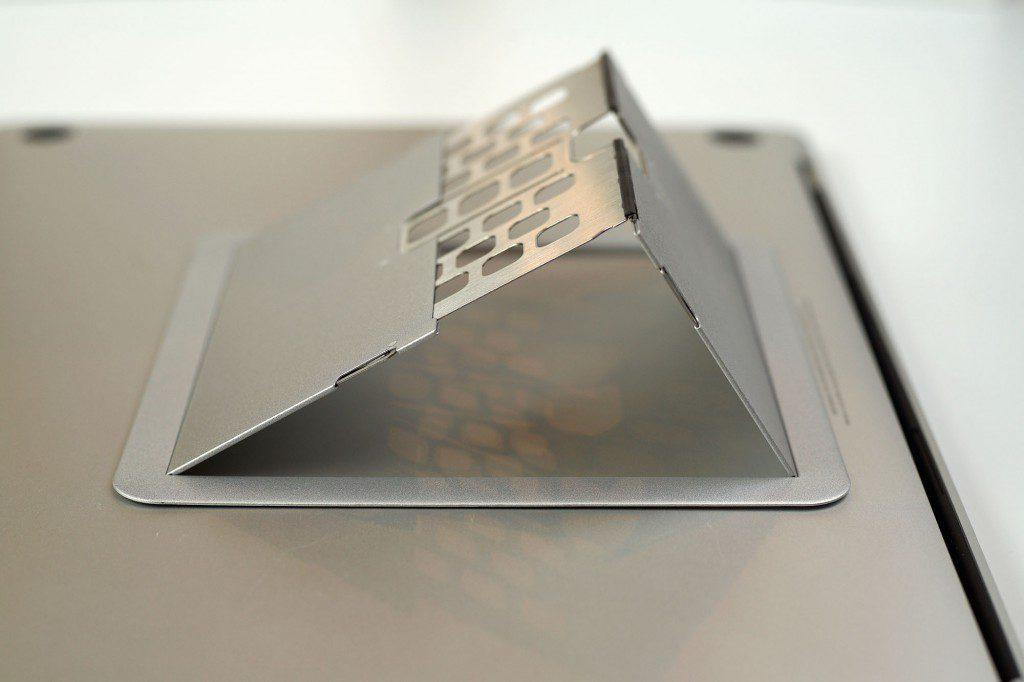 MacBook ProのフリップスタンドをBluelounge KickflipからMajextandへ移行