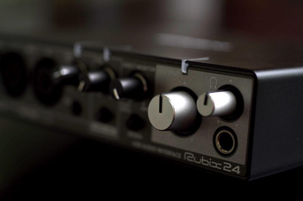 Rolandのオーディオインターフェイス「Rubix24」を導入してみた